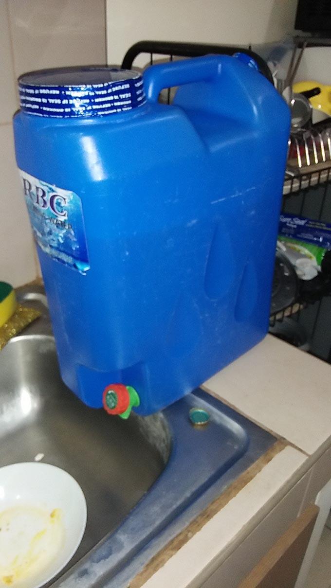 フィリピンの水ボトル